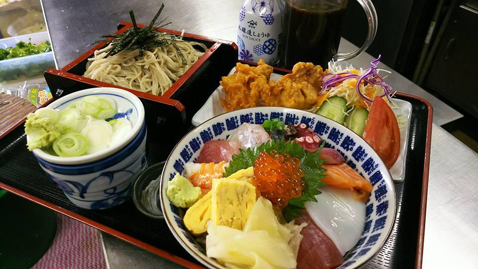 海鮮丼と唐揚げ