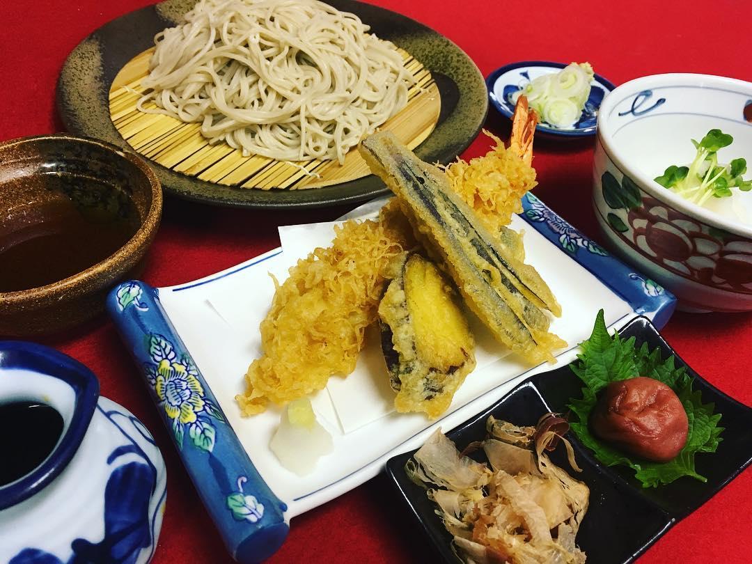 天ぷら付き梅おろし蕎麦